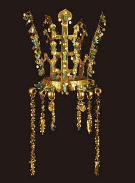 Queen's Gold Crown, Silla, North Mound of Hwangnamdaechong Tomb (Gyeongju), Height: 27.3cm, National Treasure 191.