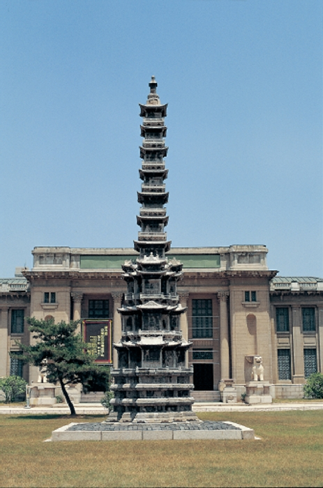 Ten-story Stone Pagoda from Gyeongcheonsa Temple Site image