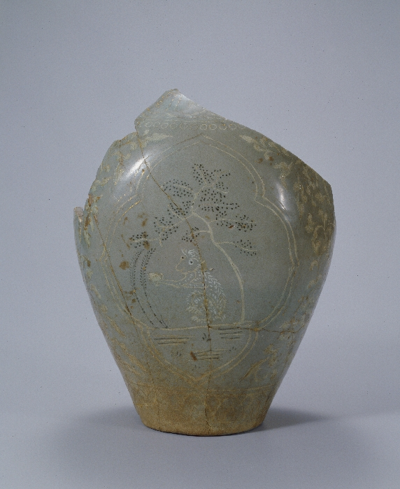 Celadon Jar with Inlaid Monkey and Tree Design in Underglaze Gold image