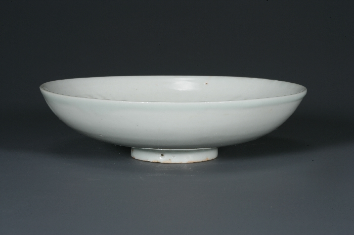 Bluish-white Porcelain Bowl with Stamped Chrysanthemum Design image